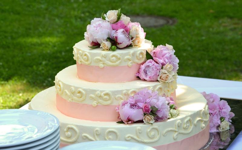 Wedding-cake-639516_960_720